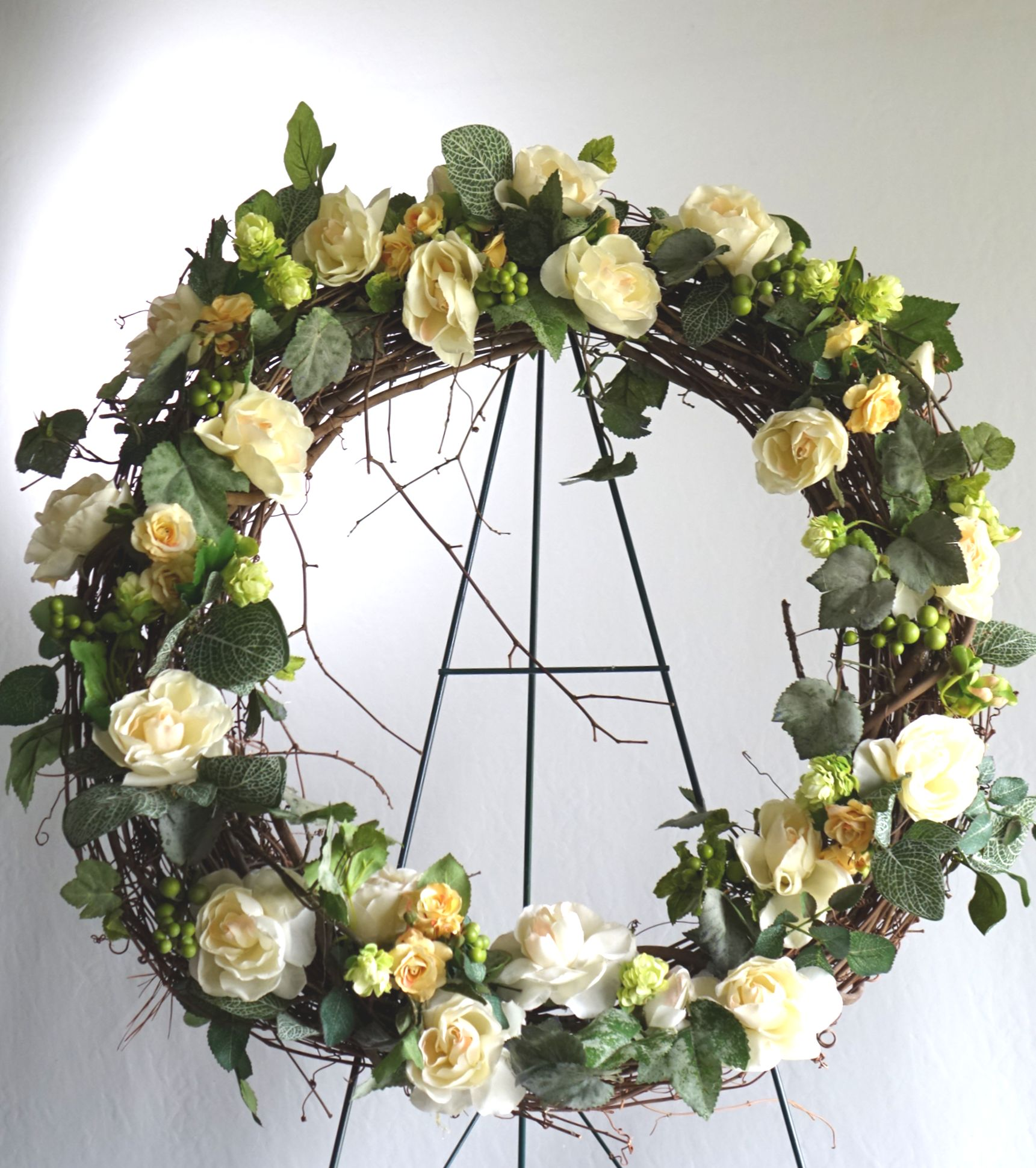 Summer funeral wreath signature floral gallery summer funeral wreath izmirmasajfo